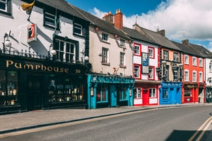 Pembroke Kilkenny Hotel Accommodation City Centre Ireland Tidy Town Keep kilkenny Clean